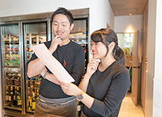 佐五右衛門/イルリトローボ 渋谷店、他/株式会社グッドスパイラル 求人 今後の展開も予定しておりますが、「スタッフ全員で創る」という事を大切に、良い意味での個人店らしさを忘れずいきます!