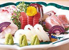 日新物産株式会社 求人 新鮮な食材を使った料理はお客様から大好評!自信を持ってお客様に提供できます。