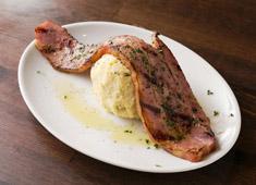 肉&ワイン Bistro Brown(ビストロブラウン)/ザイジール 株式会社 求人 今後はあなたも交えながら新しい看板メニューをつくり上げて下さい!