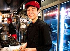 渋谷横丁OPENプロジェクト事業部/株式会社 浜倉的商店製作所 求人 【経験不問】経験の浅い方も積極採用しますのでご安心を!厳しい修行はありません!実戦で楽しく成長していただきます!