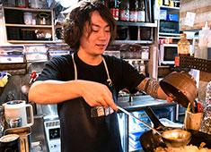 渋谷横丁OPENプロジェクト事業部/株式会社 浜倉的商店製作所 求人 産直食材を使用した料理人の手仕事が当社の真骨頂!お客様との距離も近く、反応を確かめながら色々と工夫できる楽しさ!