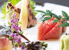 「鮨 まさ志 吉祥寺」「和食 美山 神楽坂」、他 求人 旬や走りを大切にする江戸前鮨の伝統を守りながらも、斬新なメニューや美しい盛り付けでお客様を楽しませています。