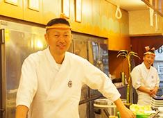株式会社金太楼鮨本店 求人 中途入社のスタッフも多いので、あなたの不安な気持ちもわかるスタッフがいますのでご安心を!