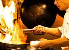 株式会社FOCUS/中国旬彩SORA 求人 現在の調理スタッフは中華経験のある人が多いですが、これから中国料理を極めたいという方も◎基本からしっかり教えます!