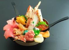 小さな魚がし 野口鮮魚店/築地 大宮商店 求人 新鮮な魚を扱う鮮魚店ならではの「料理」と「サービス」を活かした「豪快な丼」が看板メニューです!