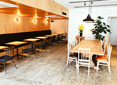 PIZZA&wine&CAFE BAR DADAKKO(バルダダッコ)/ベーカリーKiBuN屋(キブンヤ) 求人 開放的な空間で、美味しい料理とほっとするひと時を提供しています!