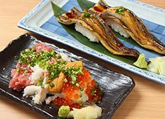 魚屋「魚初」 求人 扱う食材の鮮度には絶対の自信あり!他店では、ちょっと扱えないような食材に触れながら働く事ができますよ!