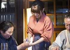 株式会社 ユニバーイースト(神奈川エリア事業部) 求人 接客が好き、料理を作ることが好きということだけでOKです!未経験者も歓迎します!