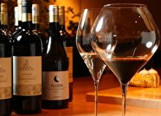 株式会社ネクストグローバル 求人 ワインにあった料理も開発!素材へこだわり、心を込めて仕込み・調理し提供しています。