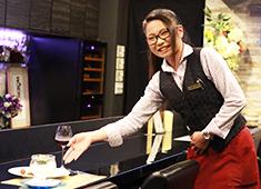 銀座 創作料理 櫻(SAKURA)/Leap株式会社 求人 和食・イタリアン・中華…など、多様な経験を持つスタッフが在籍中!唯一無二の料理を一緒に作っていきましょう!