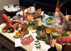 料理人のいる魚屋 かず家/真打 かず家 国分寺店 求人 扱う食材の鮮度には絶対の自信あり!他店では、ちょっと扱えないような食材に触れながら働く事ができますよ!