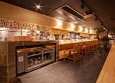 「すし屋つかだ」「立ち寿司横丁」 求人 昨年9月にオープンした「すし屋 つかだ」。コロナ禍にあっても、地元の家族連れのお客様で連日のにぎわいです。