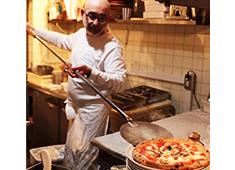 「BRACERIA DELIZIOSO ITALIA」「VINI E SALAME」「DELIZIOSO FIRENZE」etc. 求人 職場の雰囲気は業界トップクラス!のびのびと働ける環境でこそ、最短距離での成長することができますよ!