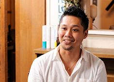 KATSUO /豊洲魚河岸 魚丸、他/H VIEW 株式会社 求人 気さくな笑顔の弊社代表!その他スタッフのインタビューは、ページ上部の「企業情報欄」より「インタビュー」をクリック!