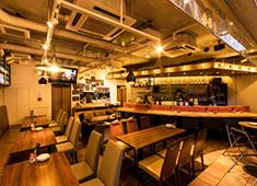 KATSUO /豊洲魚河岸 魚丸、他/H VIEW 株式会社 求人 お客様との距離感も近く、反応がダイレクトに伝わる、やりがいの出るつくりの店内!自由度満載の当社で楽しく働こう!!