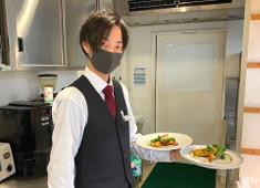 キユーピーオーガニック農園レストラン(アクアイグニス多気株式会社) 求人 ソムリエ資格取得に向けての研修や、社外での料理コンテストにも積極的に参加できます。