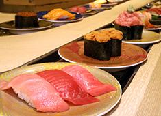 【グルメ廻転寿司】【立ち飲み寿司】/株式会社ネオ・エモーション 求人 三浦三崎港のマグロを中心に、全国から旬の鮮魚を仕入れています。