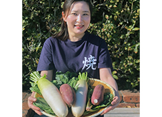 株式会社ヒューマックス/炭火焼専門食処 白銀屋 、他 求人 できる限り手づくりで!千葉県山武の自社ファームで!無農薬の大根を作っています。お店では大根おろしでどうぞ♪