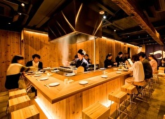 「マネジメント職採用準備室」/株式会社エー・ピーホールディングス(東証一部上場) 求人 【焼鳥 つかだ 】日本で食べられる鶏の1%しかない「地鶏」を使ったこだわりの焼鳥店