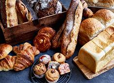 「B.C. BAKERY」「BOUL'ANGE」「Le Petit Mec」etc/株式会社 フレーバーワークス(ベイクルーズグループ) 求人 こだわりのパンを一緒に作りましょう。いつの時代もお客様に愛される商品を追求していきます。