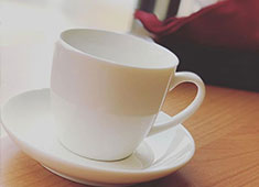 Book&Cafe こ・らっしぇ/七ヶ宿まちづくり株式会社 求人 カフェに来店される皆さんが笑顔になれるよう、まずは私たちが楽しめるお店にしていきましょう。