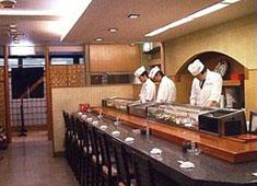 寿司割烹 御旦孤 多くのお客様に愛され続け30年。 将来的にはお店の中心メンバーとしての活躍を期待しています!