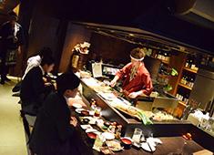 有限会社モーリ 五橋にある周平本店の店内。男の料理と元気のある接客で幅広い層のお客様から支持を受けています!
