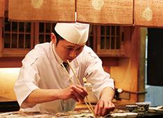 日本料理花はん/株式会社五葉商事 料理人として誇れる技術を習得できます。今の環境から更に前進し、自分を高めたい方、是非学びにいらして下さい。
