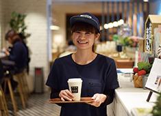 カフェ・カンパニー株式会社 女性スタッフが多数活躍している「みのりカフェ」。休日に一緒に遊ぶこともあるような、良い雰囲気の職場です☆