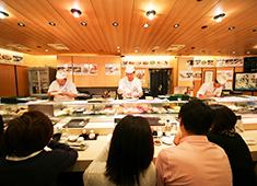 株式会社 梅丘寿司の美登利総本店 求人 女性職人も活躍中!お客様を笑顔にする仕事を一緒にしていきましょう!