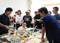 株式会社コンセプション 求人 定期的に開催している講習会!試食をしながら、調理に関する知識を皆で高めています!