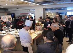 株式会社KRホールディングス【高速道路のサービスエリア・パーキングエリア】 求人 道路会社が主催する料理コンテストにも積極的に参加。出品作品により、全国大会に参加する事も。