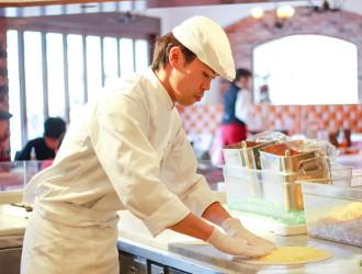 【紹介案件043】テーマパーク内のレストラン(イタリアン、ステーキハウス、カジュアルフレンチなど)/グルメキャリー転職・就職サポート事業部 求人