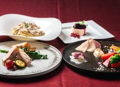 サーラ ビアンキ アル・ケッチァーノ/イル・ケッチァーノ ミエーレ(株式会社アクアイグニス) 求人 本格イタリアンのコース料理からカジュアルなピザ・パスタ料理まで、幅広く経験することができます。